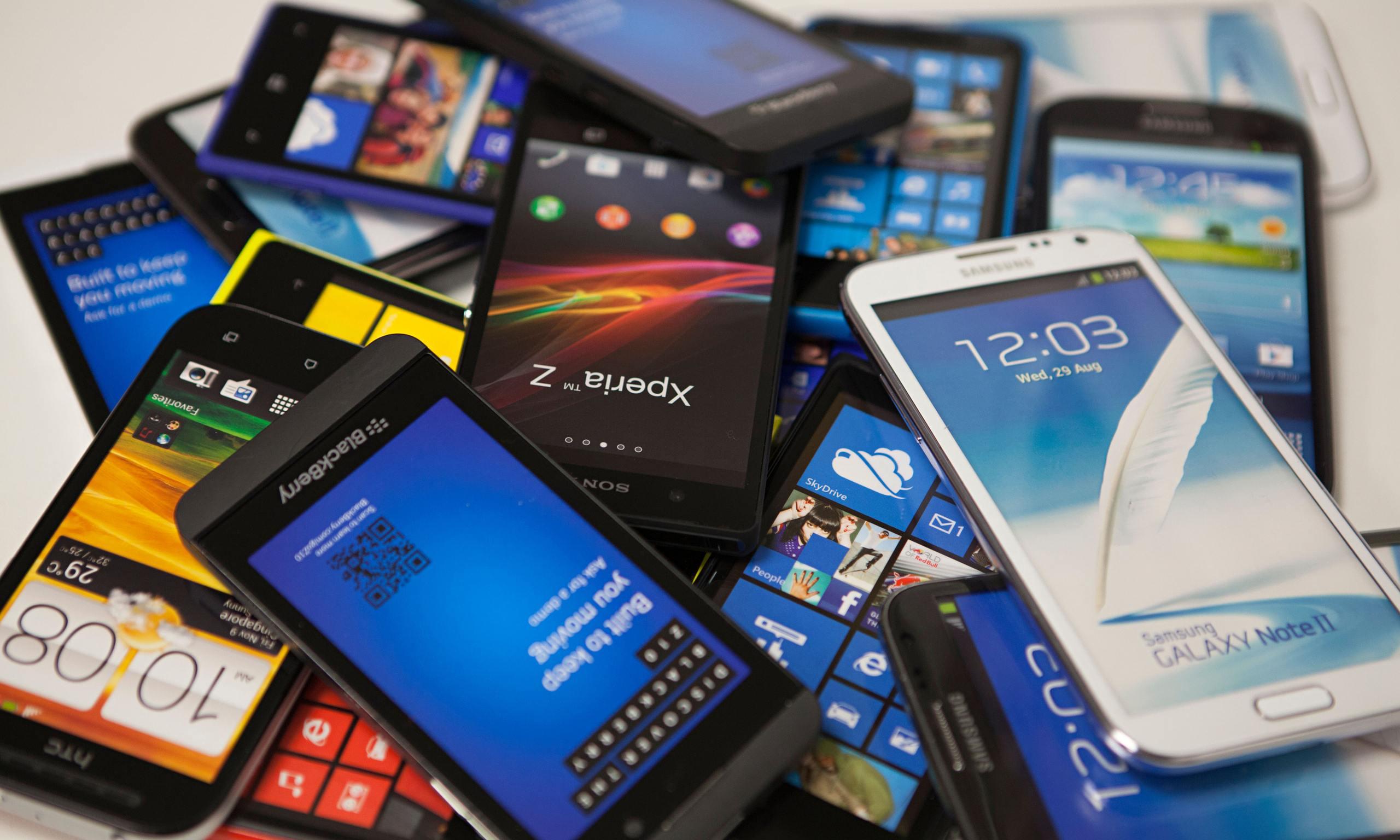 Kinh doanh điện thoại là một trong những ngành cạnh tranh khốc liệt nhất hiện nay.